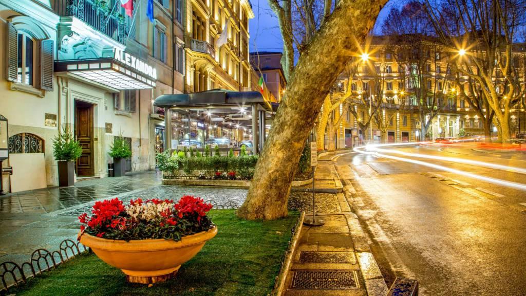 Hotel-Alexandra-Rome-entrée-02