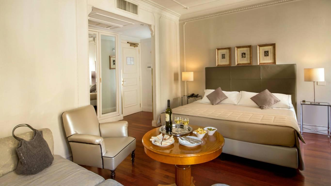 Hotel-Alexandra-Rom-zimmer-03
