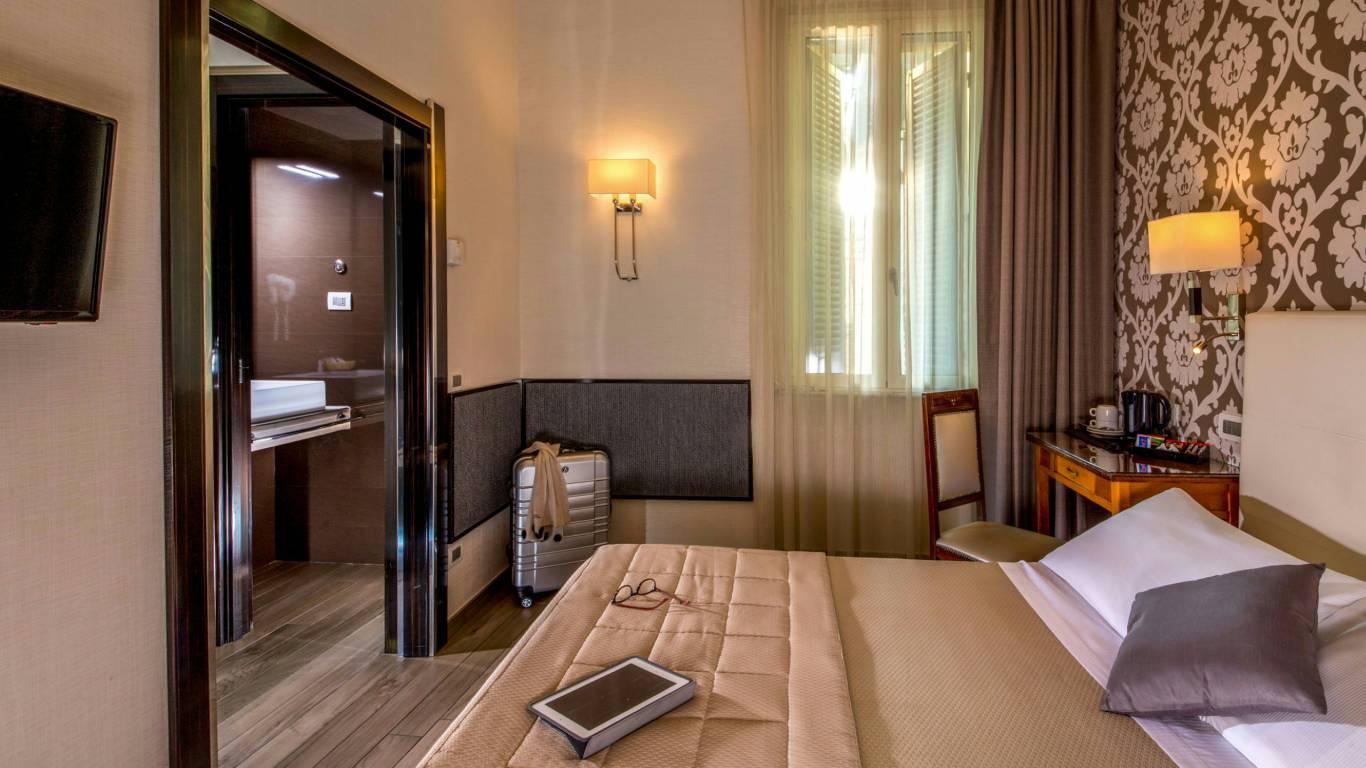 Hotel-Alexandra-Roma-camera-Standard