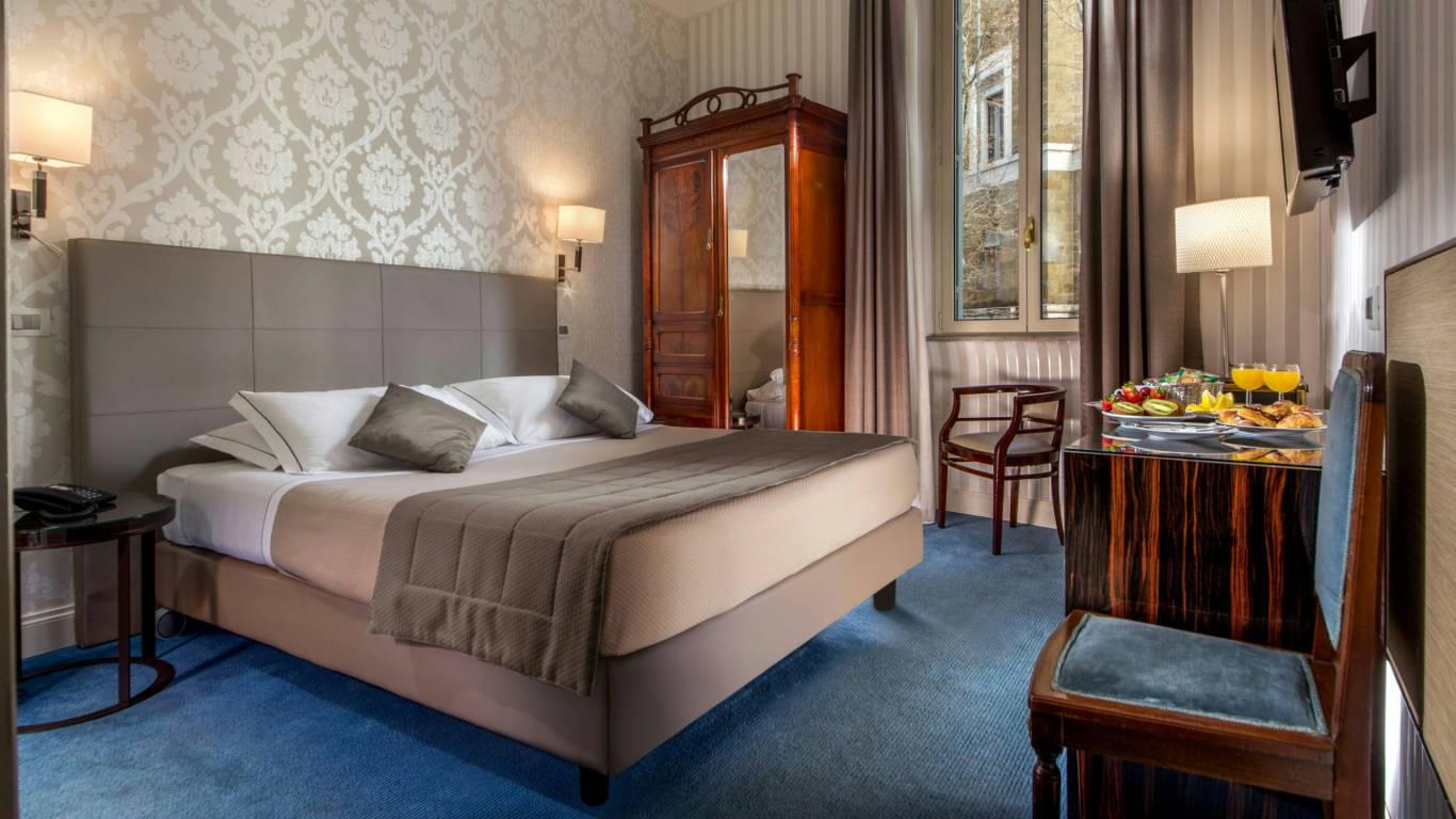 Hotel-Alexandra-Rome-room-15