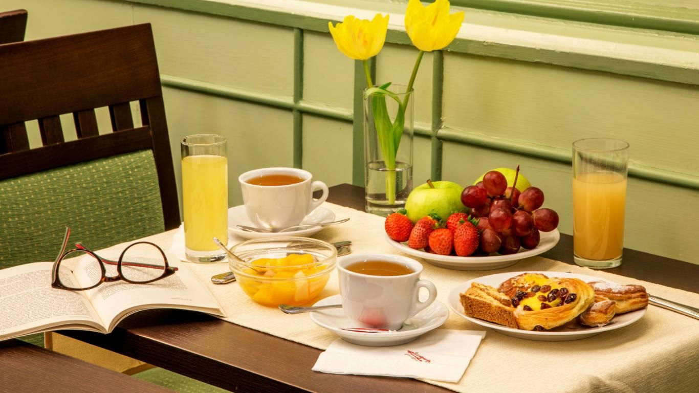 Hotel-Alexandra-Rom-Frühstücksraum-03