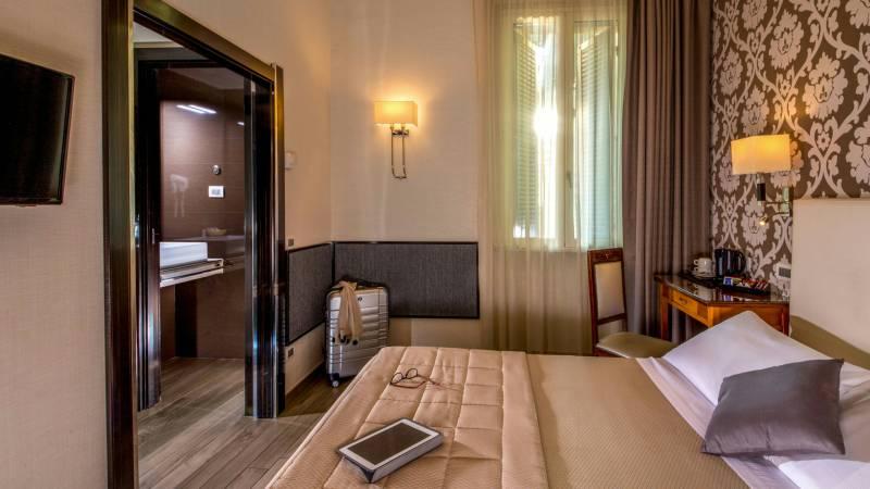 Hotel-Alexandra-Rom-zimmer-05