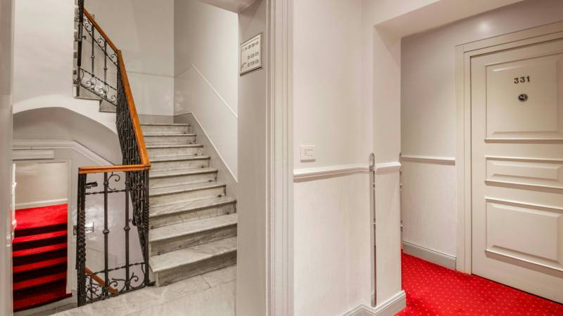 Hotel-Alexandra-Rome-interior-16
