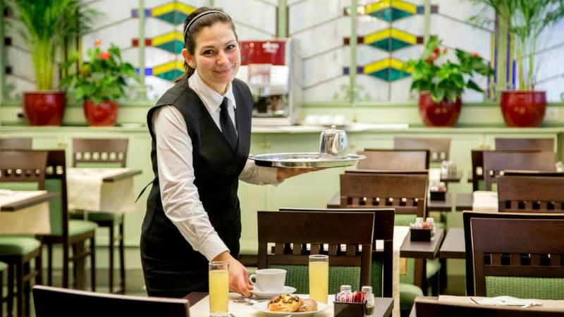 Hotel-Alexandra-Rom-Frühstücksraum-07