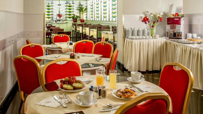 Hotel-Alexandra-Rom-Frühstücksraum-08